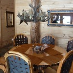 The dining room in the cabin